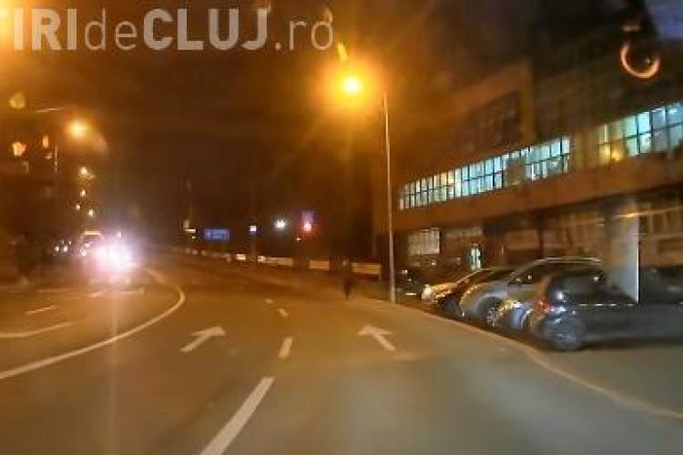 Cum să NU treci la semafor! Un clujean dă cel mai bun exemplu VIDEO