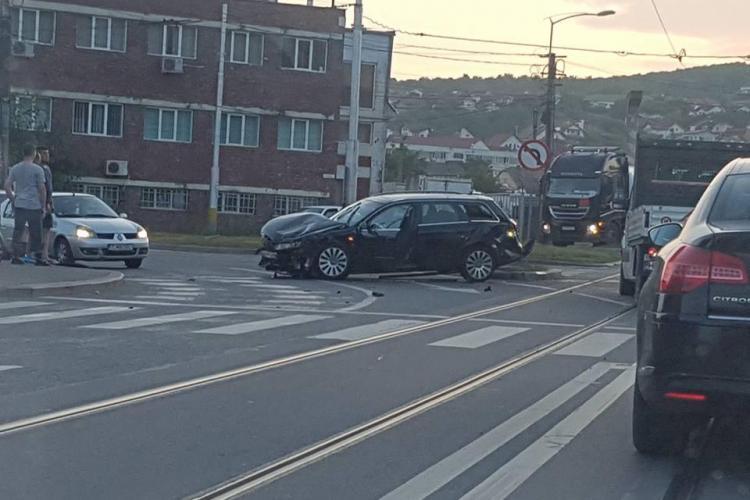 Accident pe Bulevardul Muncii în intersecția cea mai problematică - FOTO