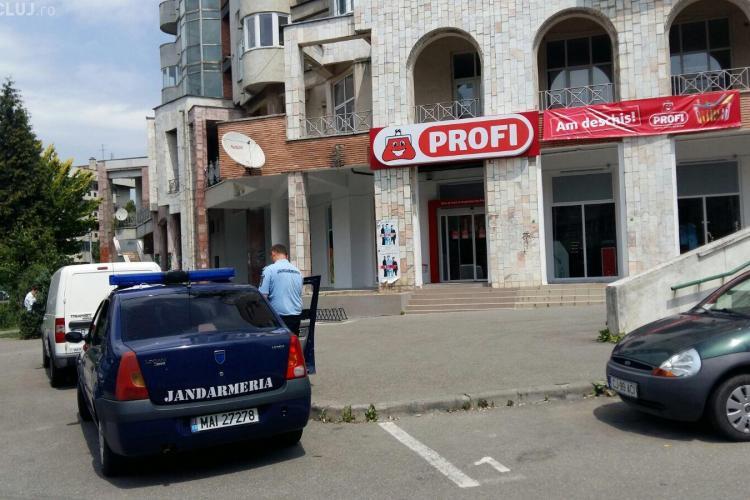 Hoț din magazine prins la Cluj de un jandarm aflat în timpul liber. L-a fugărit pe stradă până l-a pus la pământ FOTO