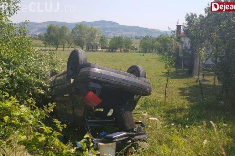 """Cluj: I-a tăiat calea și a """"zburat"""" cu mașina de pe centură - VIDEO"""