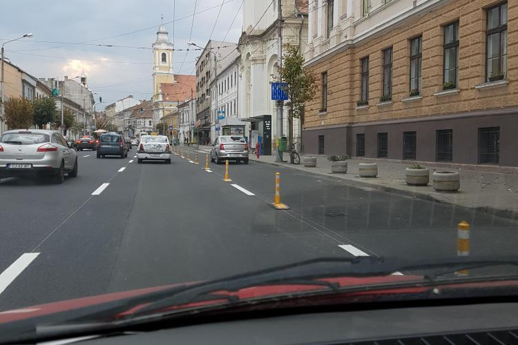 Taximetriștii nu vor avea acces pe banda unică de transport în comun