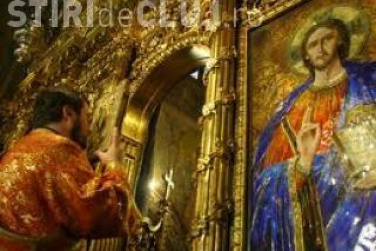 Preot din Sălaj, reținut pentru tentativă de omor. A înjunghiat un bătrân pe stradă