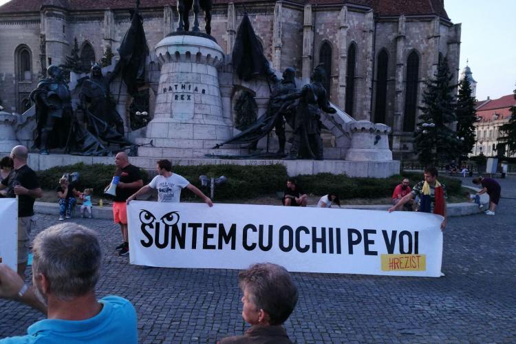 Protest la Cluj: Peste 150 de persoane au ieșit în stradă - VIDEO