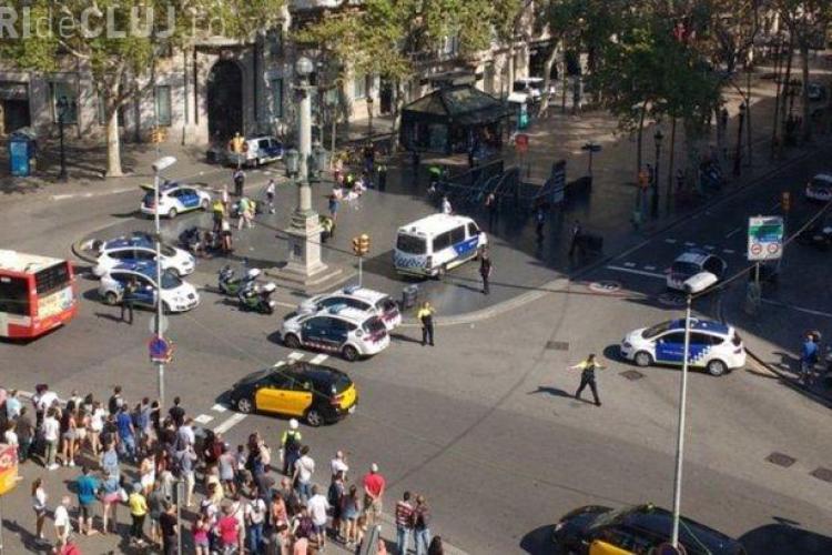 VIDEO - Atac terorist la Barcelona. O furgonetă a intrat în pietoni pe bulevard La Rambla. Cel puţin 13 morţi şi zeci de răniţi