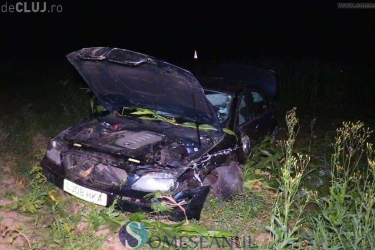 Accident între două mașini pe un drum din Cluj. Un BMW a zburat prin lanurile de porumb VIDEO