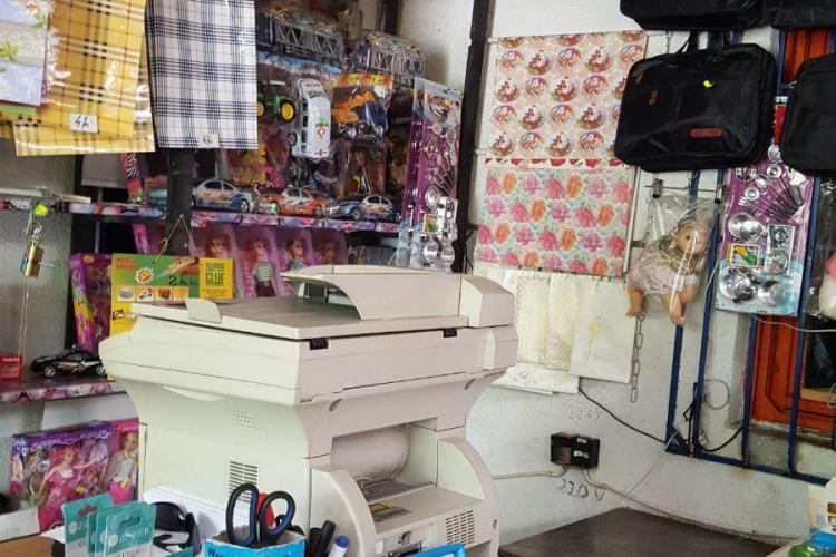 Blestem AFIȘAT într-un magazin din Cluj-Napoca: Cine fură să paralizeze ... - FOTO