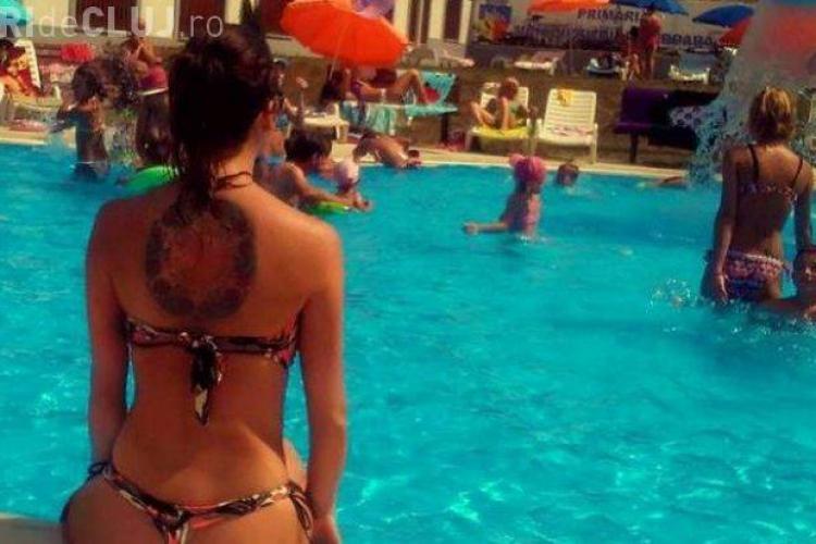 Ipostaza halucinantă în care au fost surprinse două tinere la un ştrand din România