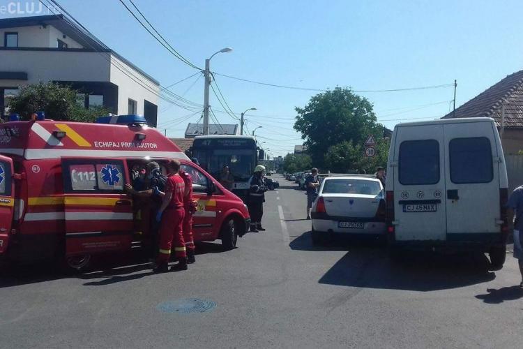Accident la intersecția străzilor Jiului și Harghita. Pragurile de sol nu sunt montate, deși sunt aprobate - FOTO