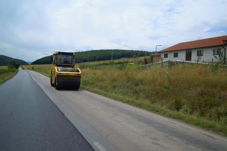 Cluj: Au demarat lucrările de asfaltare pe drumul județean Cluj-Napoca - Făget - Ciurila - DJ 107L