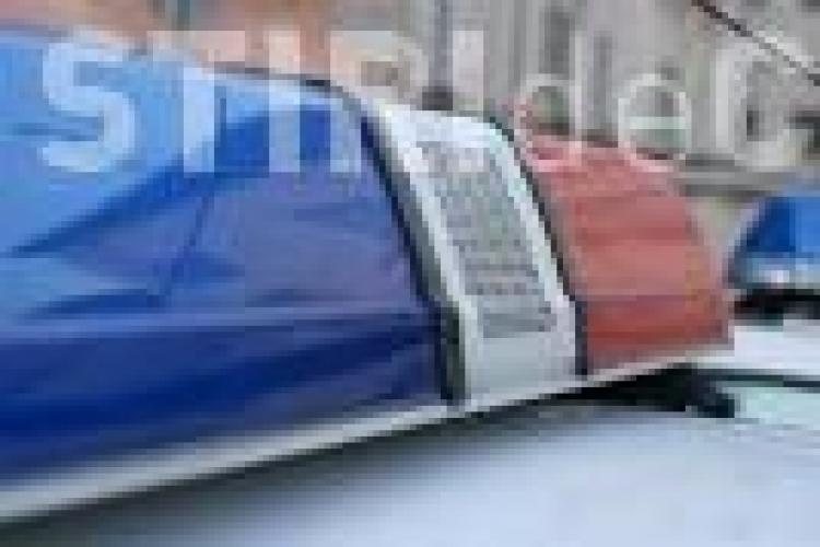 CLUJ: Urmărire cu scandal în trafic! O femeie beată la volan, cu 4 copii în mașină, a încercat să fugă de polițiști