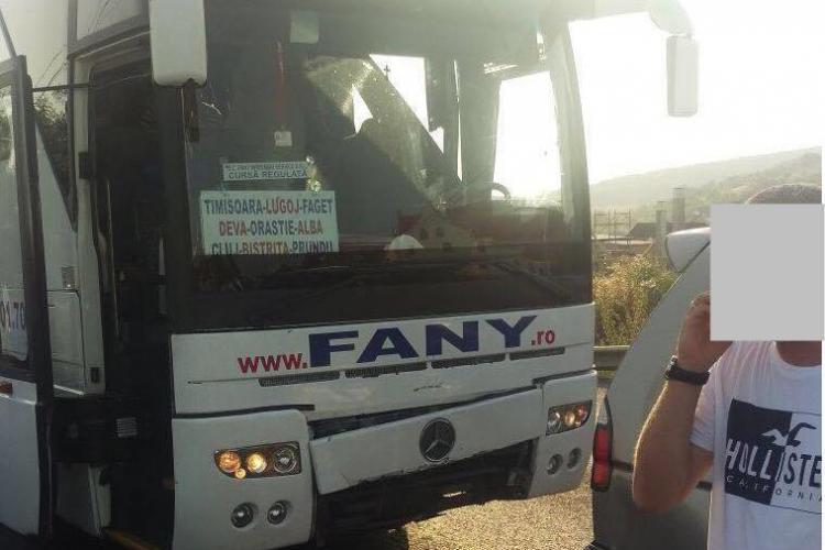CLUJ: Accident cu două victime! Șoferul unui autocar Fany nu a frânat la timp FOTO
