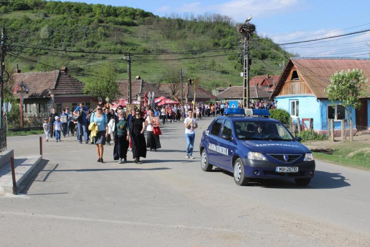 """Peste 250 de jandarmi asigură paza la Nicula, în timpul slujbei de """"Adormirea Maicii Domnului"""""""