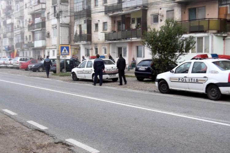 RAZIE în cartierul de romi de la Dej! Ce au descoperit polițiștii FOTO