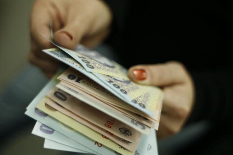 Angajaţii români cred că merită salarii mai mari cu 1000 de lei