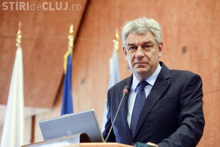 """Premierul Mihai Tudose susține că s-a """"ars"""" cu băncile și a refuzat să-și pună leafa pe card"""