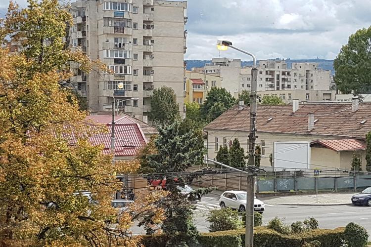 La Cluj-Napoca, iluminatul public funcționează și ziua - FOTO