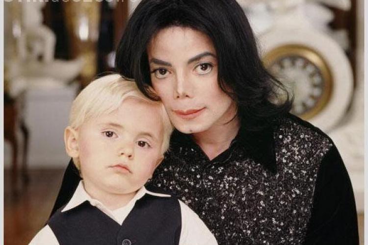 Cum arată azi fiul lui Michael Jackson! Are 20 de ani - FOTO