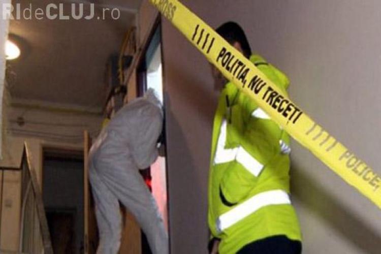 CLUJ: Bărbat găsit mort în propria locuință din turda. Nimeni nu îl mai văzuse de două săptămâni