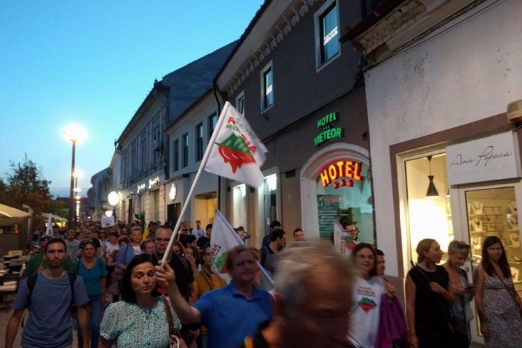 Cluj: Incident cu Poliția la marșul Salvați Roșia Montană: Am simțit multă URĂ - VIDEO