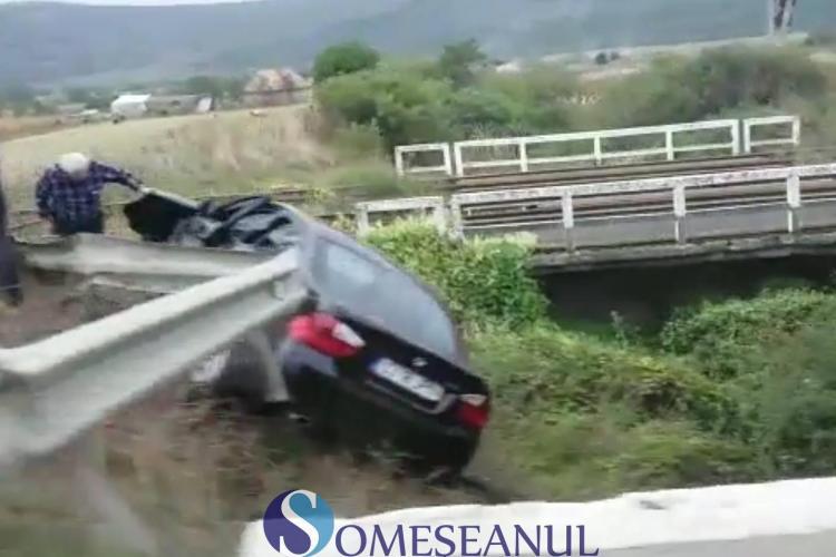 """Accident grav la Livada. Un BMW a """"zburat"""" în afara șoselei VIDEO"""