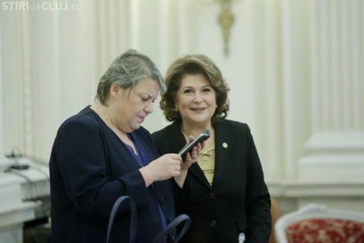 Iohannis: Persoane urmărite penal nu au ce căuta la guvernare. Doamnele Sevil Shhaideh şi Rovana Plumb trebuie să demisioneze