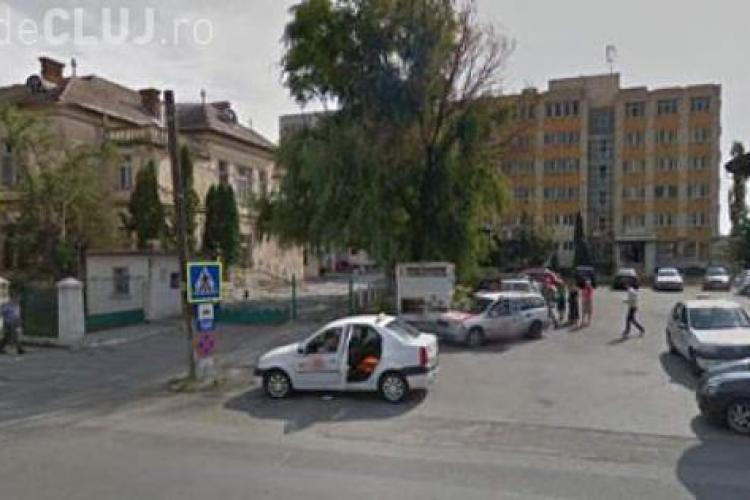 CLUJ: Bărbat găsit mort în afara curții Spitalului Turda. Fugise noaptea din salon