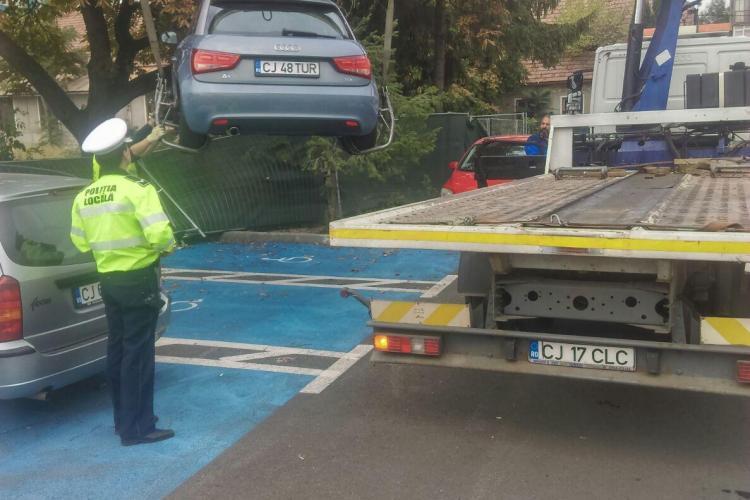 Cluj-Napoca: Amenzi pentru șoferii care au parcat pe locul de parcare al persoanelor cu dizabilități