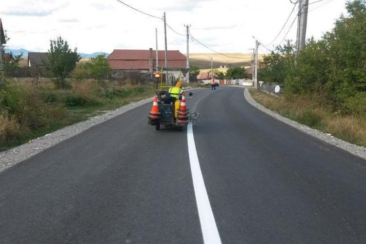 ATENȚIE șoferi! Se desfășoară lucrări de marcaje rutiere pe mai multe drumuri judeţene din Cluj