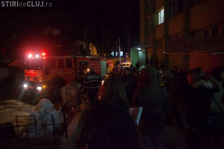 Incendiu la căminul 14, din Hașdeu! Peste 160 de persoane au fost evacuate FOTO