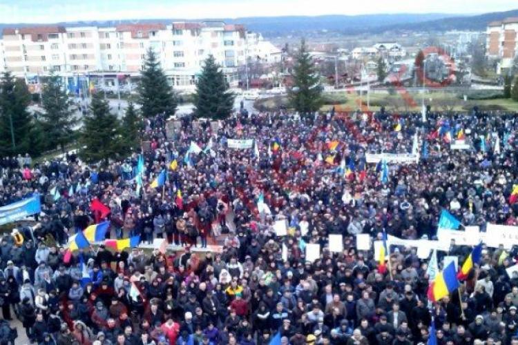 """10.000 de angajați de la Dacia protestează față de """"țopăiala fiscală"""""""