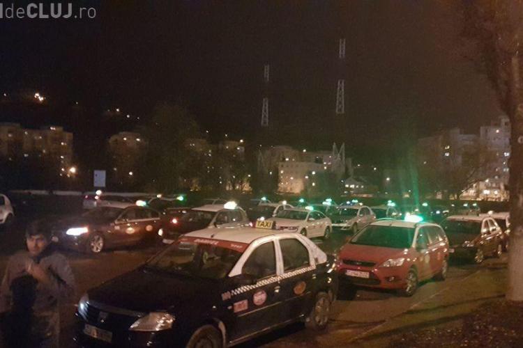Taximetriștii protestează și clujenii nu mai găsesc mașini