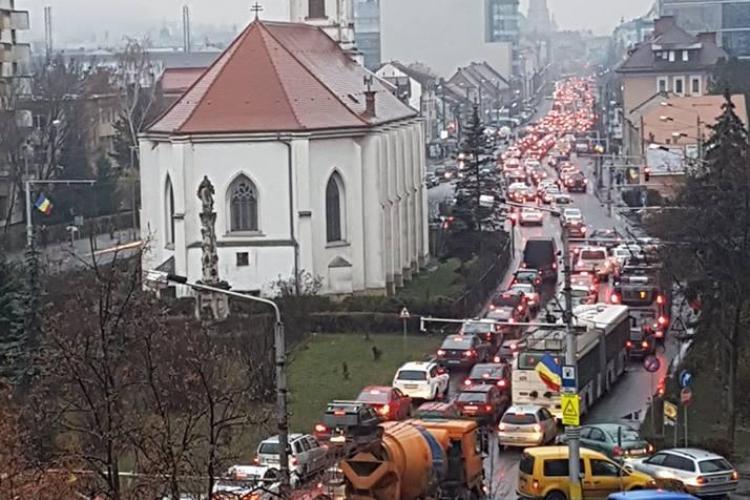 Imaginea zilei! Trafic de coșmar în Cluj-Napoca - FOTO