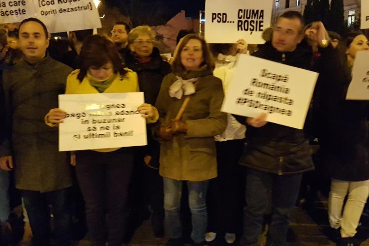PNL Cluj a protestat în fața Prefecturii Cluj. Tișe: Guvernul PSD este terorist - VIDEO
