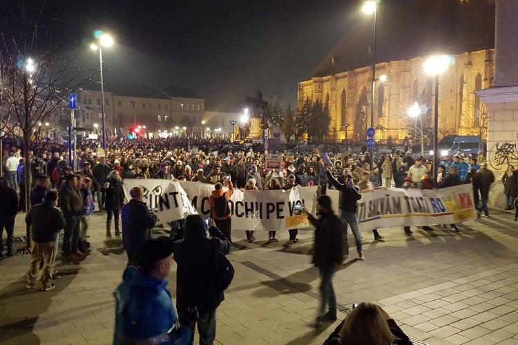Protest la Cluj cu peste 5.000 de oameni. Marșul a mers prin Mărăști. Scandarea zilei - VIDEO