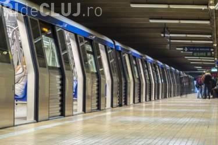 Isterie la metrou! Două femei amenințate că vor fi împinse pe șine