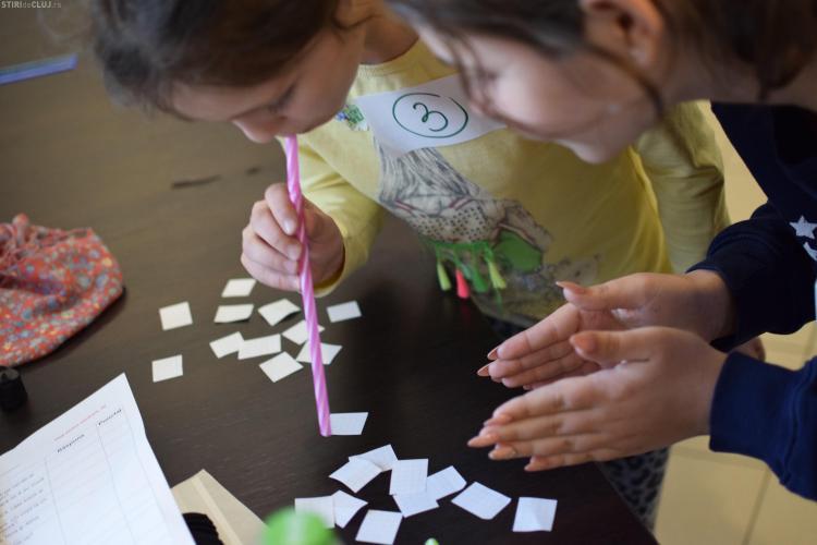 """""""Fii bun și după Crăciun""""! Înscrie-te ca voluntar și ajută copiii din orfelinate"""
