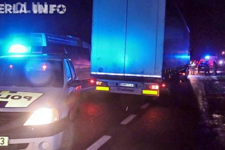 Accident cu victimă pe drumul Cluj - Gherla. O mașină a fost lovită de TIR VIDEO