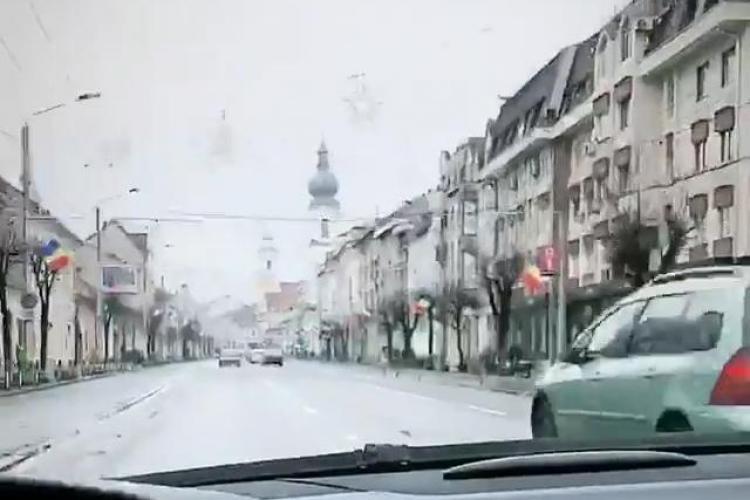 """Șmecheraș """"zboară"""" cu 150 km/h prin centrul Clujului - VIDEO"""