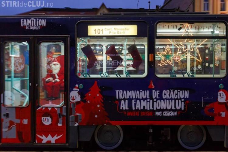 Tramvaiul lui Moș Crăciun a pornit la drum prin Cluj. Vezi care este programul de circulare FOTO