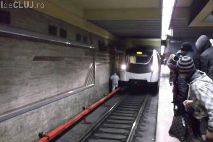 Cum să te salvezi daca pici intre sinele de metrou - VIDEO