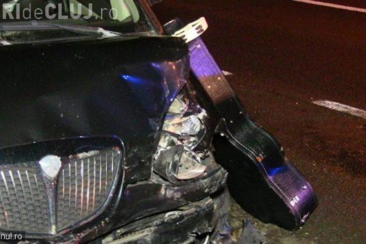 Accident între două grupuri de colindători, pe un drum din Cluj. Două tinere au fost rănite VIDEO