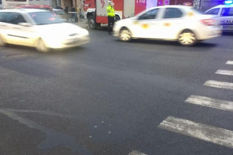 Accident pe Calea Moților! Două mașini și un autocar au fost implicate - FOTO