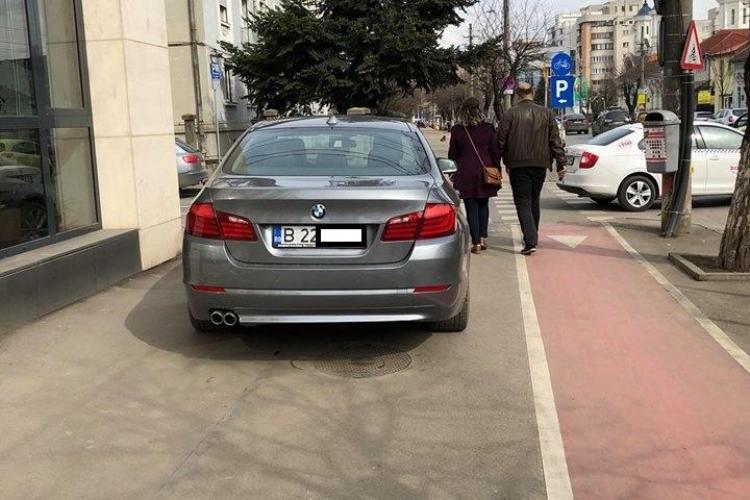 Parcare de șmecher în fața Emag Cluj - FOTO