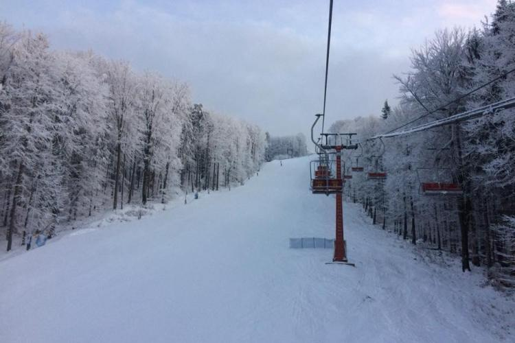 Schi la Șuior! Ofertă cu 25% reducere pentru luna martie la toate pachetele de schi