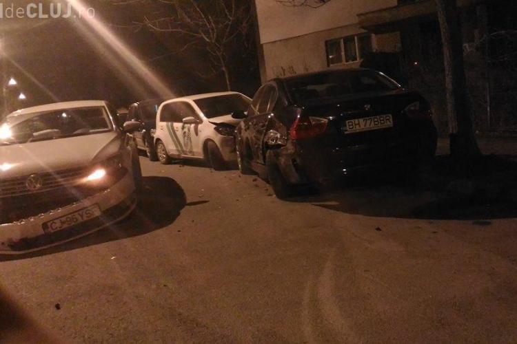 Un clujean beat la volan a făcut DEZASTRU pe stradă. A lovit cinci mașini parcate FOTO