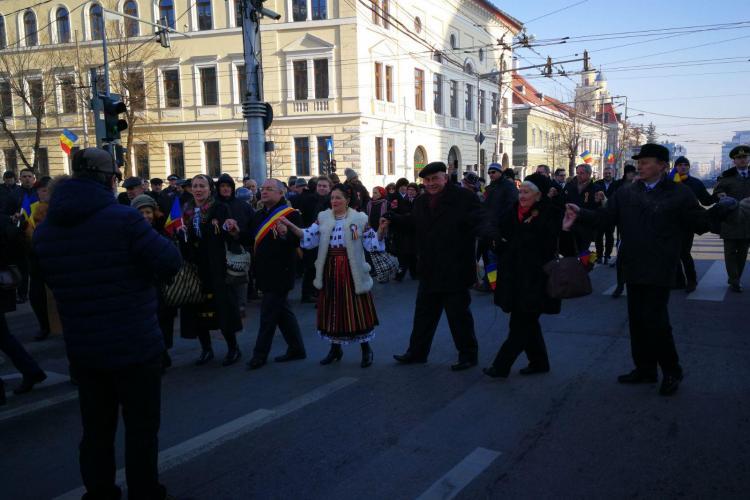 S-a dansat Hora Unirii la Cluj. Diseară va fi o horă gigantică, în tot centrul - VIDEO