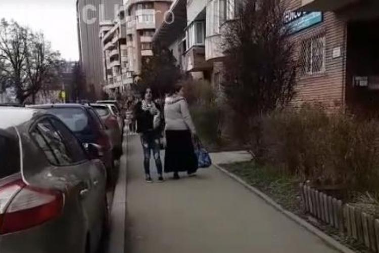 Scandal la farmacie, în Mărăști. Două femei de etnie romă au fost date afară după ce au fost prinse la furat VIDEO