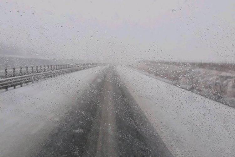 Drumuri acoperite de zăpadă. Conduceți cu grijă - FOTO cu Autostrada Transilvania