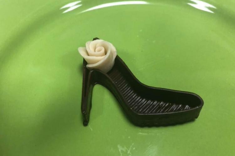 Cluj-Napoca: Pantof de ciocolată, realizat în premieră, cu ajutorul unei imprimante 3D - FOTO