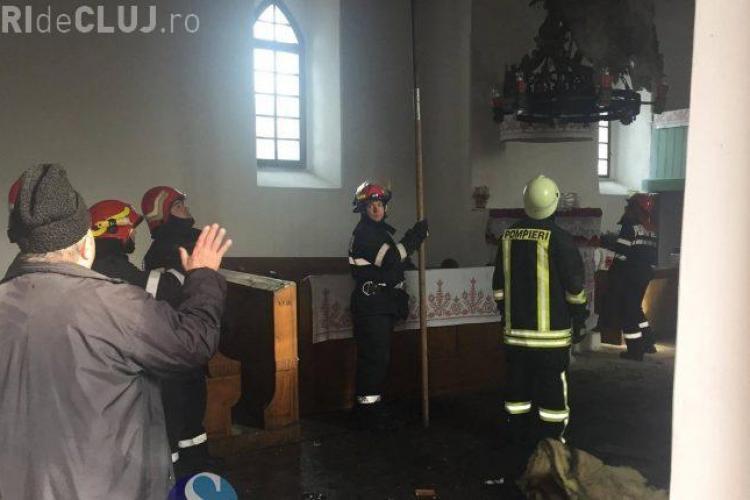 CLUJ: Incendiu la o biserică din Răscruci FOTO